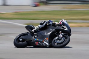 wpid-taylormade-carbon2-moto2-race-bike-03.jpg